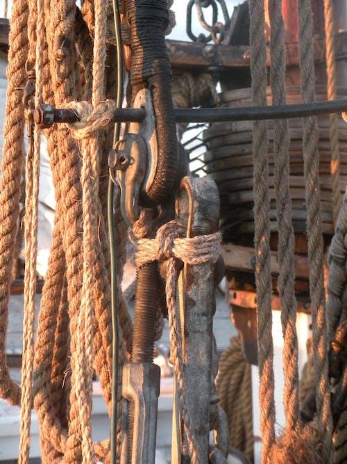 Gratis stockfoto met zeilboot touwen