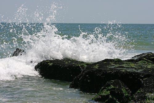 Gratis stockfoto met atlantische oceaan, Bemoste rotsen, oceaan, oceaangolven