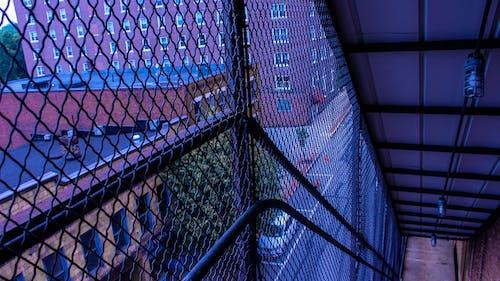 คลังภาพถ่ายฟรี ของ กั้นรั้ว, ขั้นตอน, ตึก, ถนน