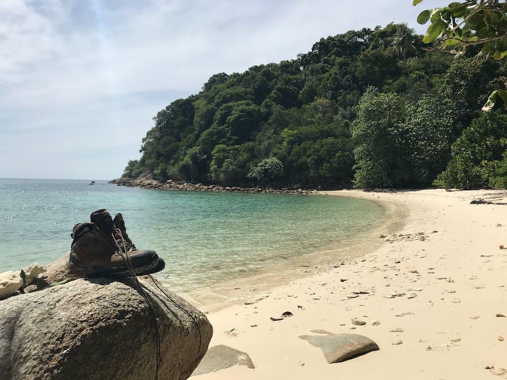 deniz, doğa yürüyüşü, kum içeren Ücretsiz stok fotoğraf