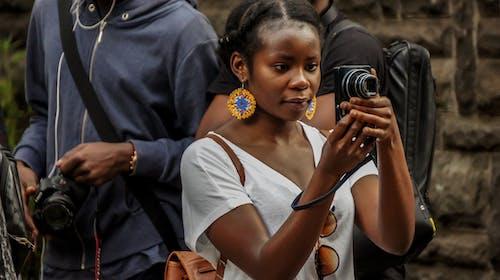 Darmowe zdjęcie z galerii z afryka, czarny, fotograf, fotografia