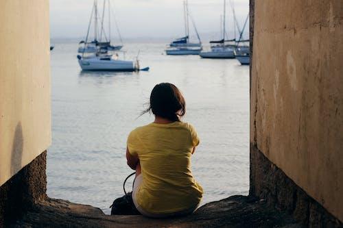 Бесплатное стоковое фото с вода, водный транспорт, дневной свет, желтый