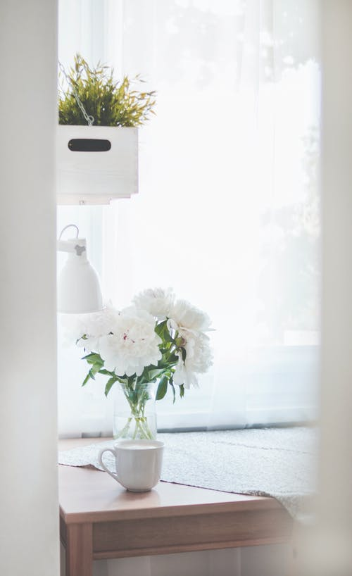 Foto profissional grátis de abajur, artigos de vidro, banheiro, café