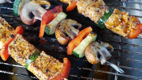 Бесплатное стоковое фото с Барбекю, грибы, гриль барбекю, еда