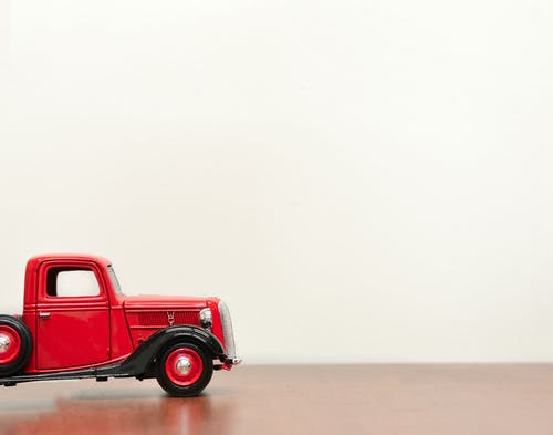Classic Red Vehicle Scale Model