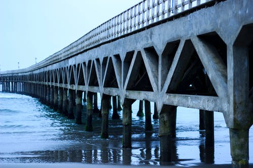 deniz, görünümler; manzaralar, köprü, manzara içeren Ücretsiz stok fotoğraf