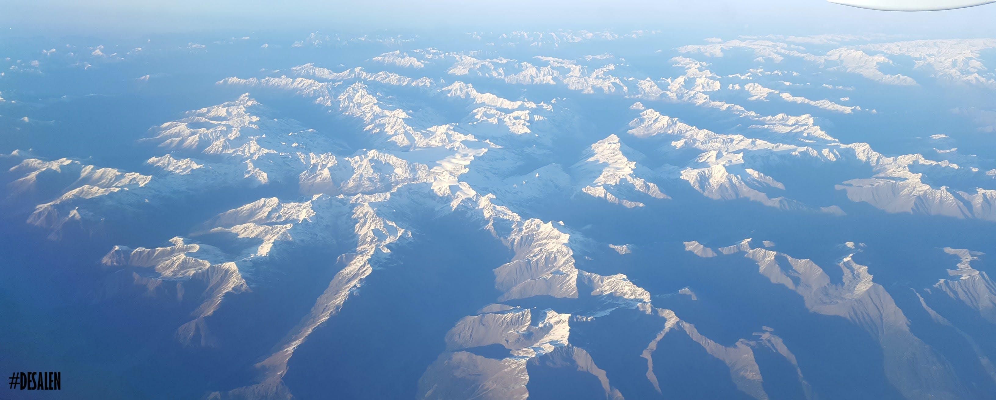 Gratis lagerfoto af alperne, alps mountain, blå bjerge, blå himmel