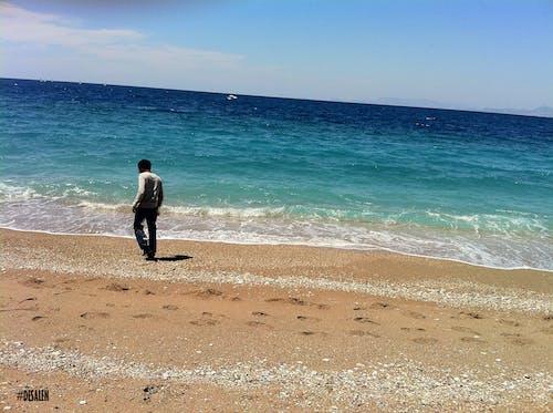 Ingyenes stockfotó azúrkék tenger, égszínkék, homok, hullámok témában
