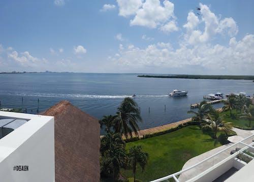 Kostenloses Stock Foto zu balkon, boot, himmel, meer