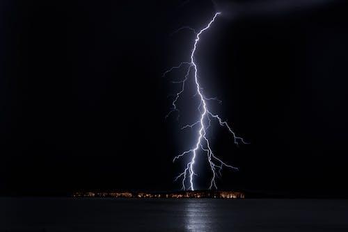 Gratis lagerfoto af aften, belysning, bølge, fare