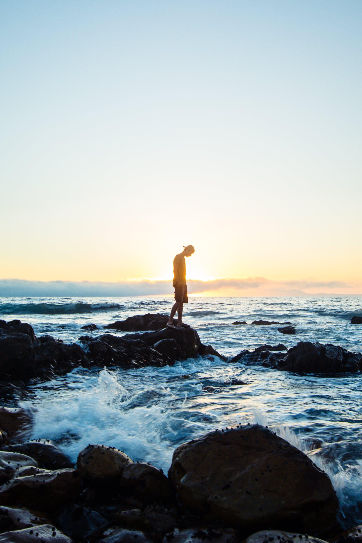 Gratis arkivbilde med bakgrunn, bølger, daggry, dagslys