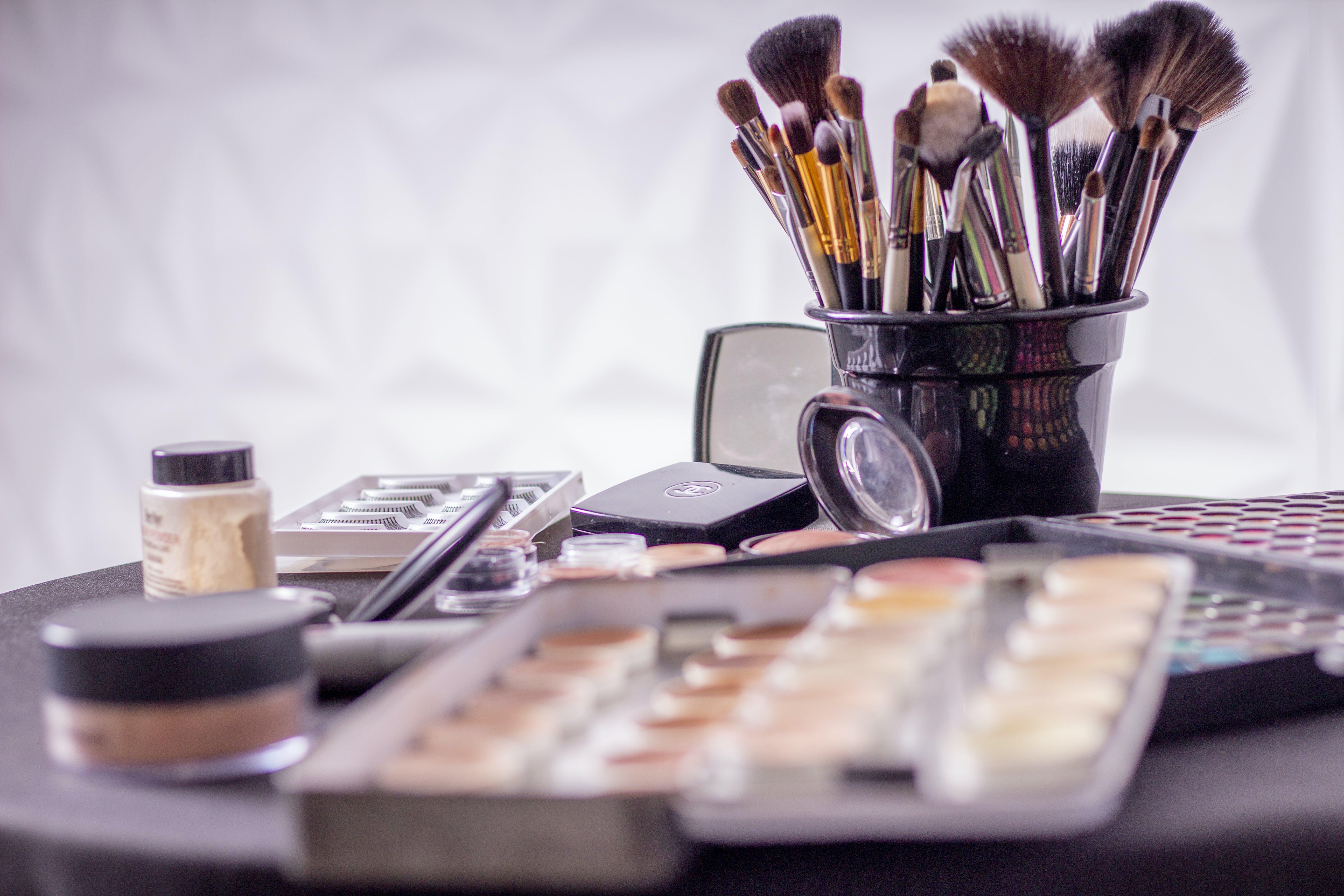 makeup and makeup brushes