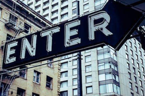 Fotobanka sbezplatnými fotkami na tému budova, moderný, nápis