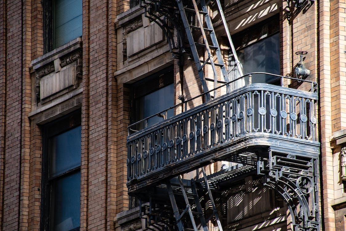 architectuur, balkon, brandtrap