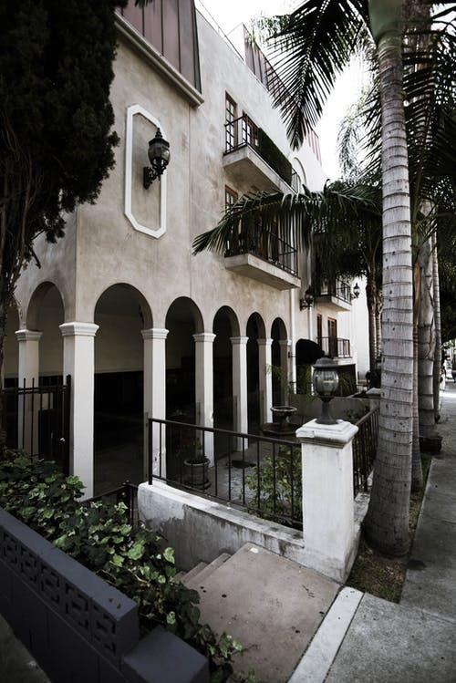 Kostenloses Stock Foto zu hollywood, palmen, wohnhaus