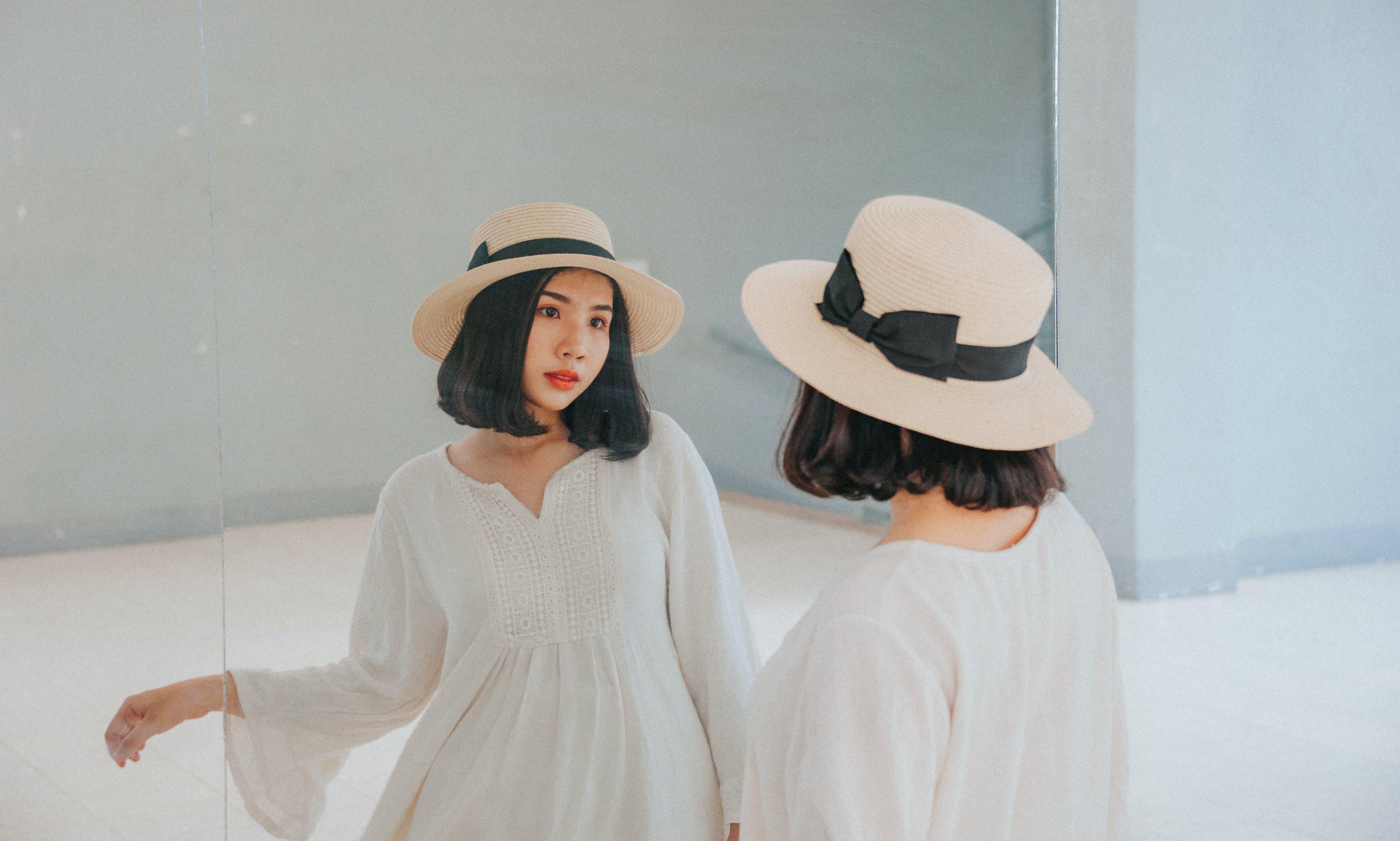 Foto profissional grátis de atraente, bonita, cabelo, chapéu