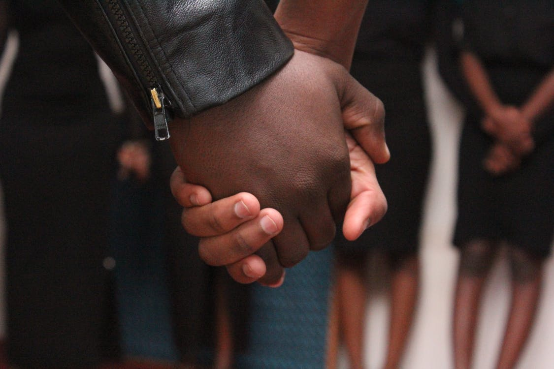 близость, держаться за руки, милый