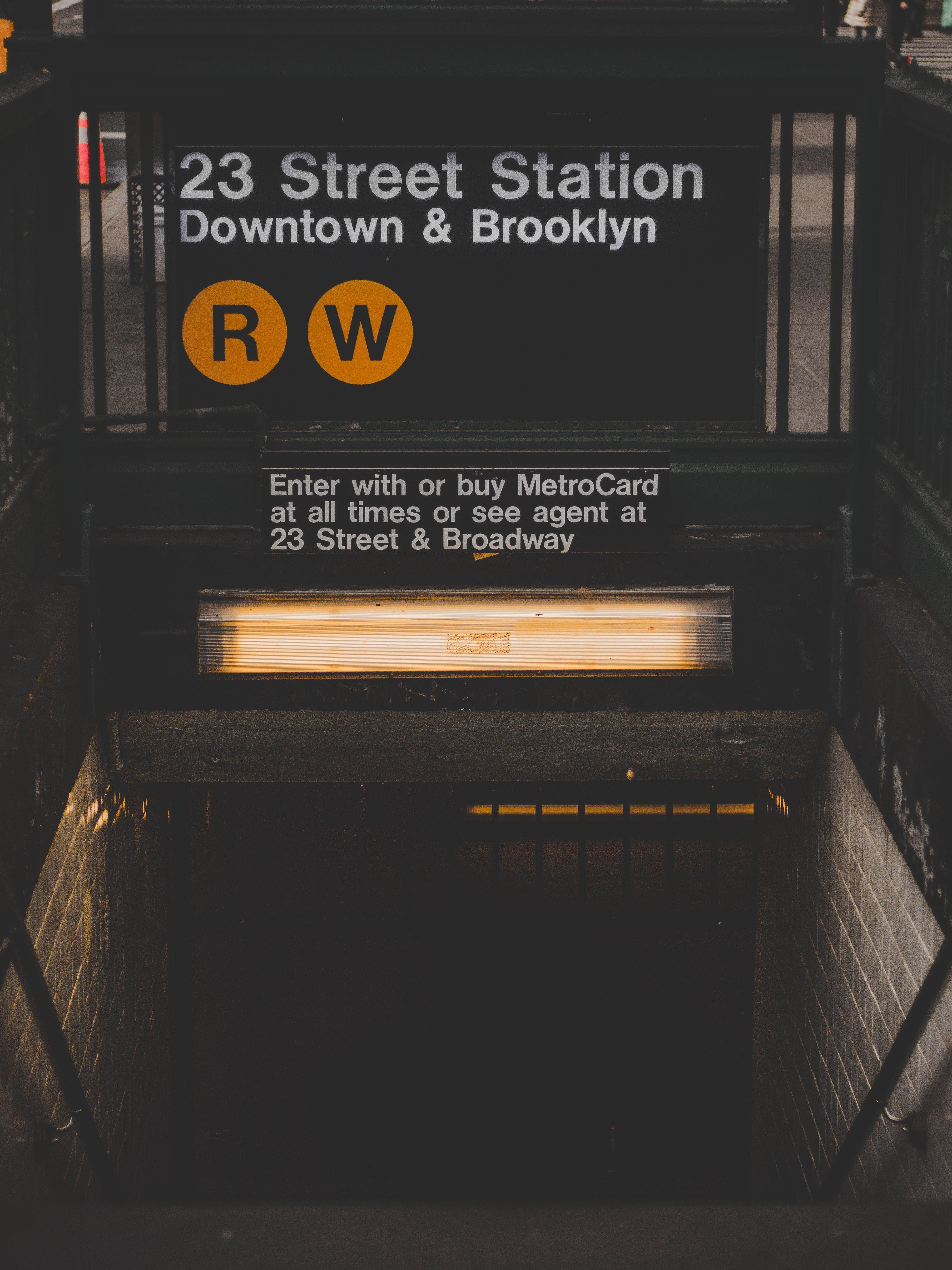 23 Street Station Down & Brooklyn