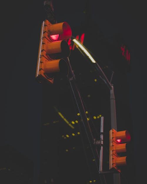 Безкоштовне стокове фото на тему «вечір, Ліхтарі, нічний час, світлофори»