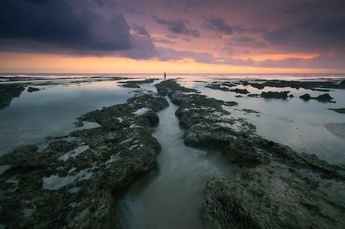 Foto d'estoc gratuïta de aigua, capvespre, cel, mar