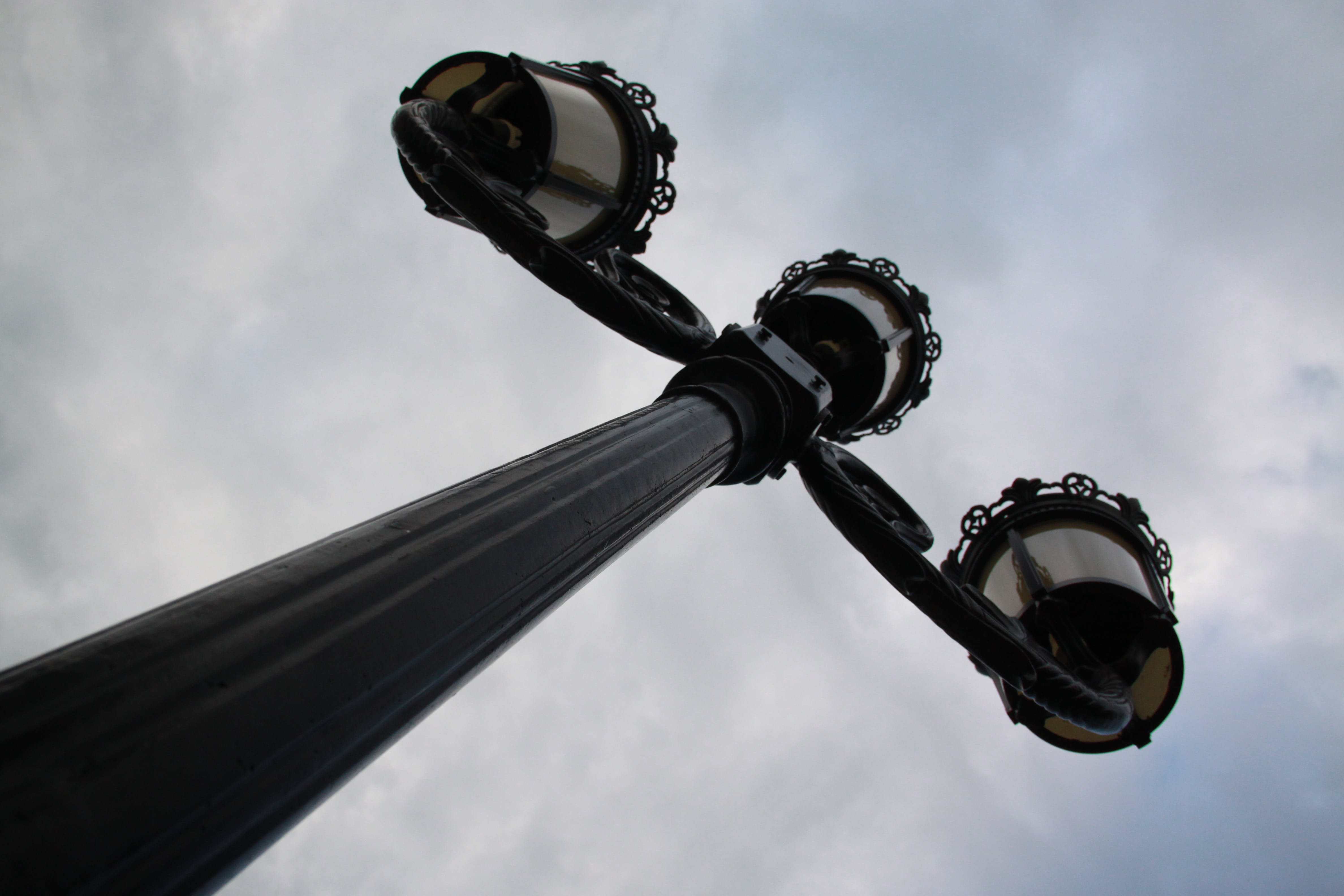 Free stock photo of lamp post, sculpture, top