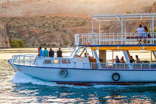 Fotos de stock gratuitas de agua, asientos, barca, barco