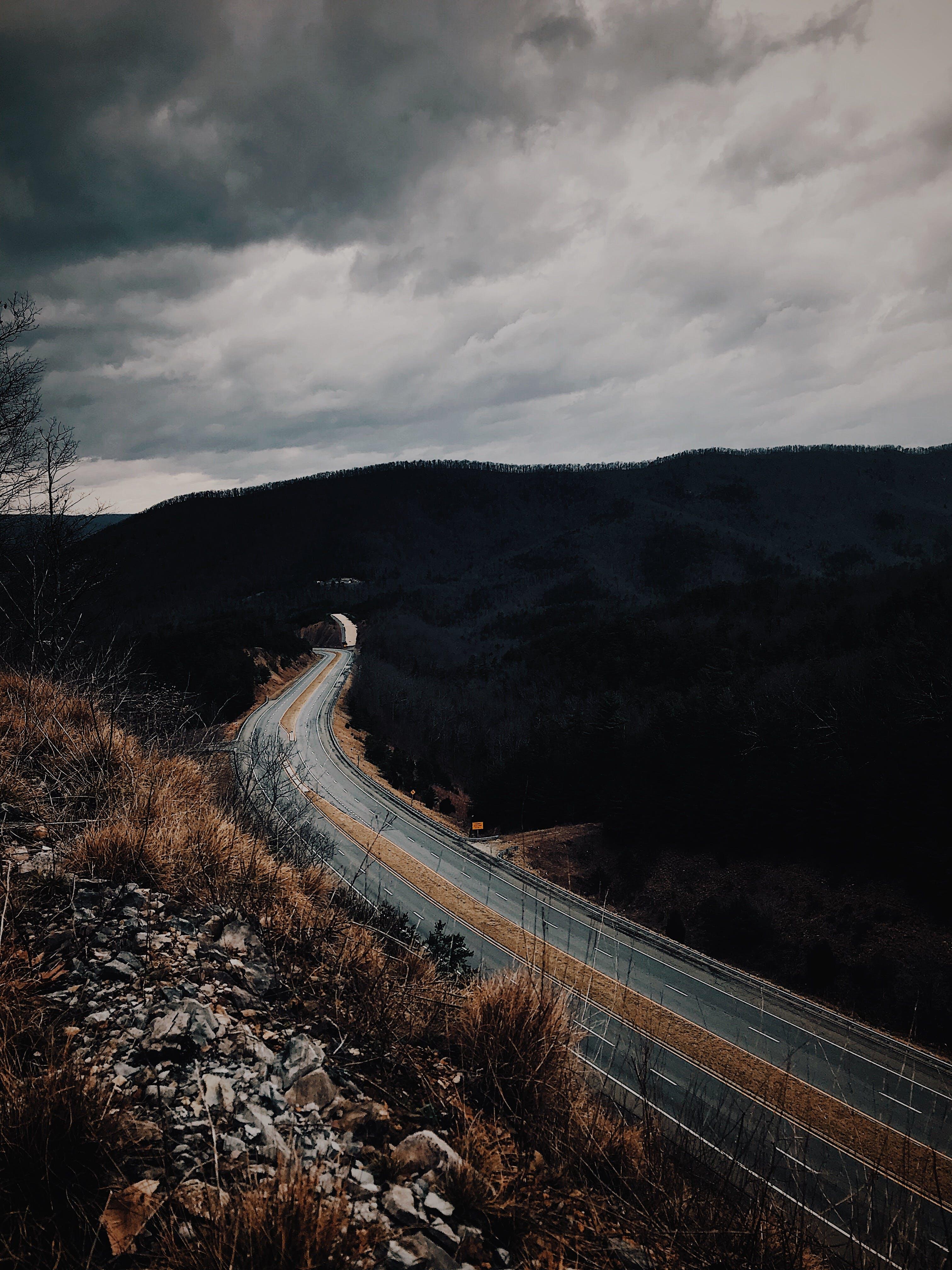 Gratis lagerfoto af asfalt, landskab, motorvej, vej
