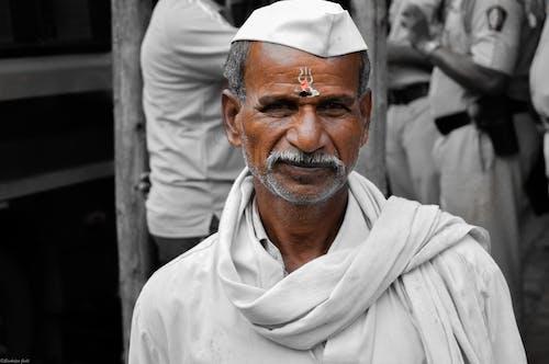 Ảnh lưu trữ miễn phí về mũ lưỡi trai, người đàn ông Ấn Độ, tận tụy, tôn sùng