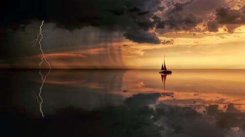 Fotos de stock gratuitas de agua, amanecer, cielo, dramático