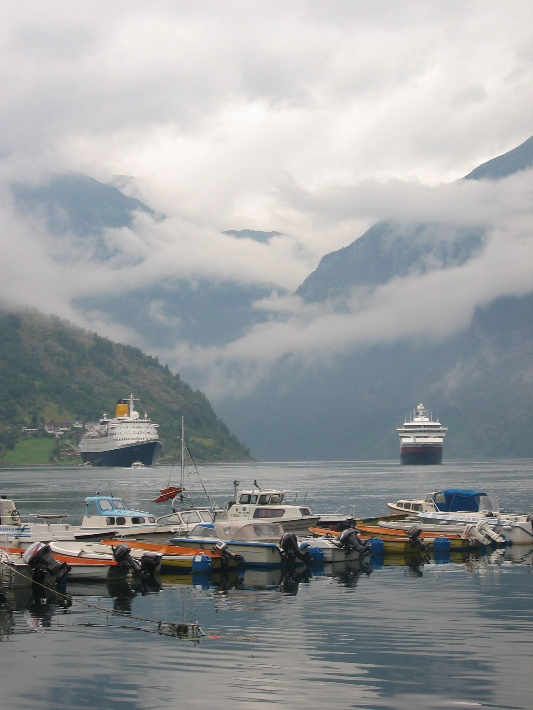 Free stock photo of cruise ship, fjord, geirangerfjord, harbour