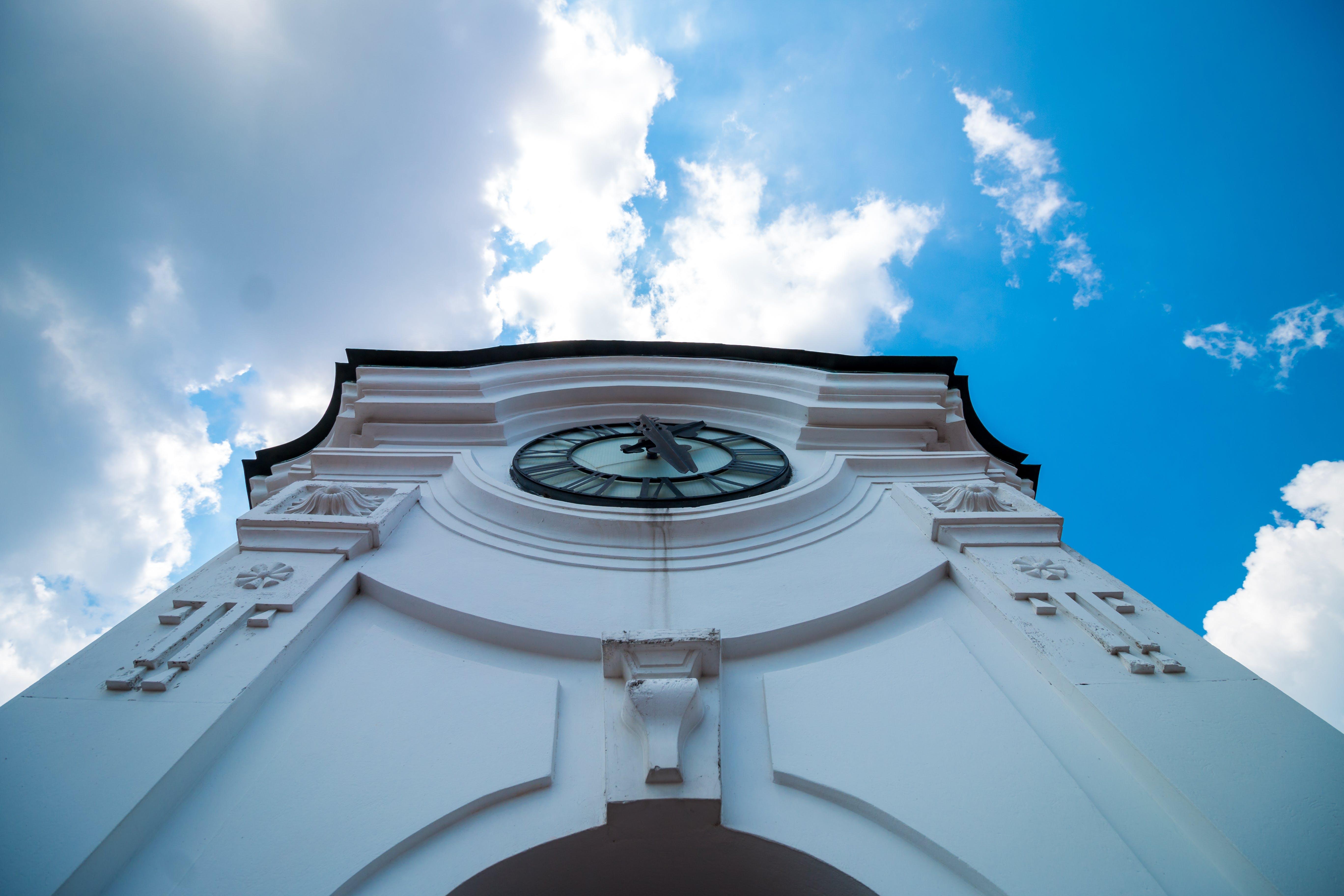 Základová fotografie zdarma na téma architektura, budova, mraky, obloha