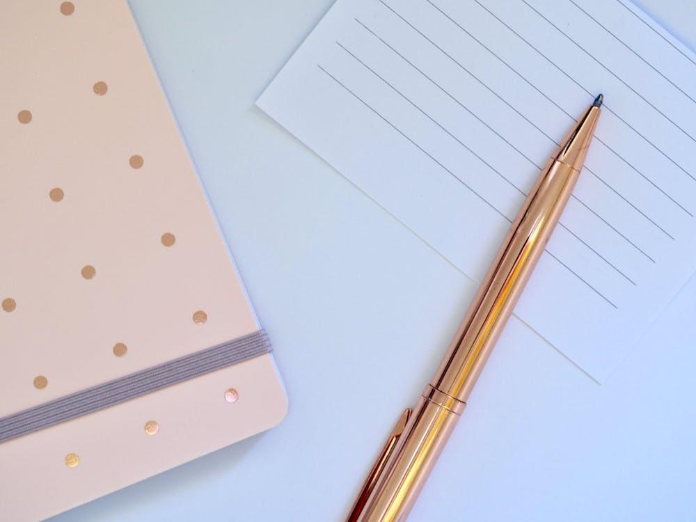κενό, λάπτοπ, σημειωματάριο