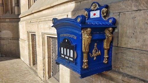 Gratis stockfoto met blauw, brievenbus, e-mail, oud gebouw