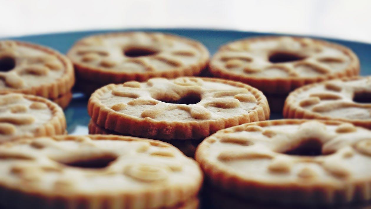 bisküviler, fırında pişirmek, foodporn içeren Ücretsiz stok fotoğraf