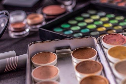 Безкоштовне стокове фото на тему «maquiagem, акції, барвистий, візерунок»