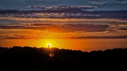 Foto d'estoc gratuïta de a l'aire lliure, alba, bonic, capvespre