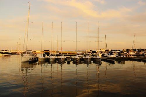 Foto profissional grátis de barcos a vela