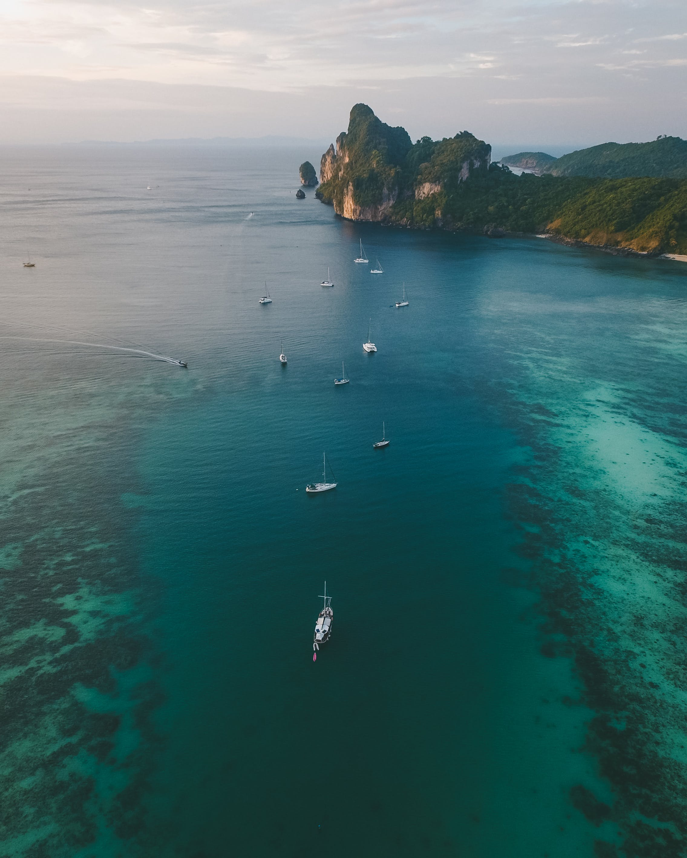 boş zaman, dağ, deniz, deniz aracı içeren Ücretsiz stok fotoğraf