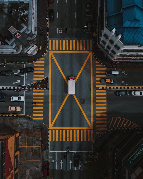 Foto profissional grátis de aéreo, apreender, arquitetura, automóveis