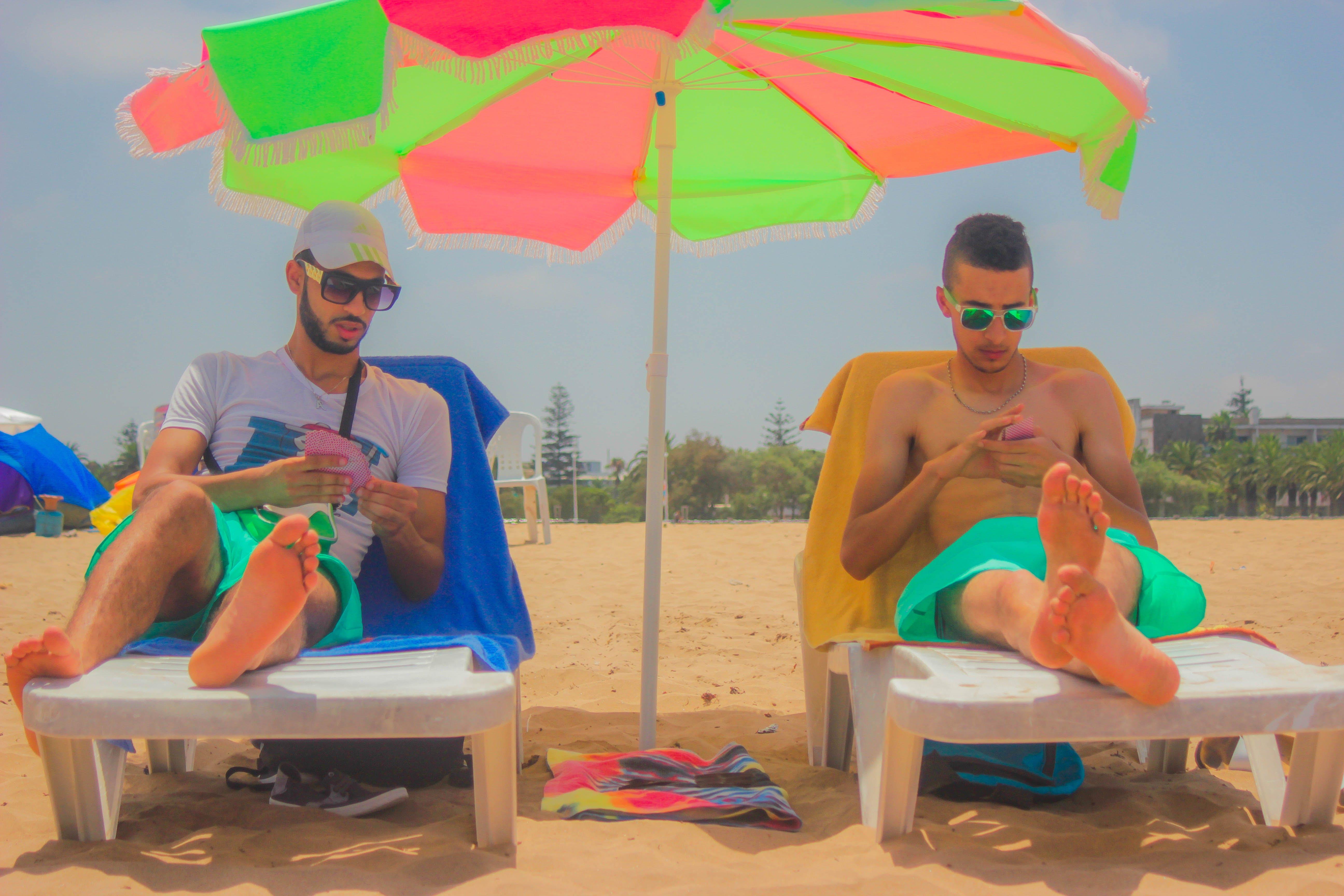 deštník, lidé, písek