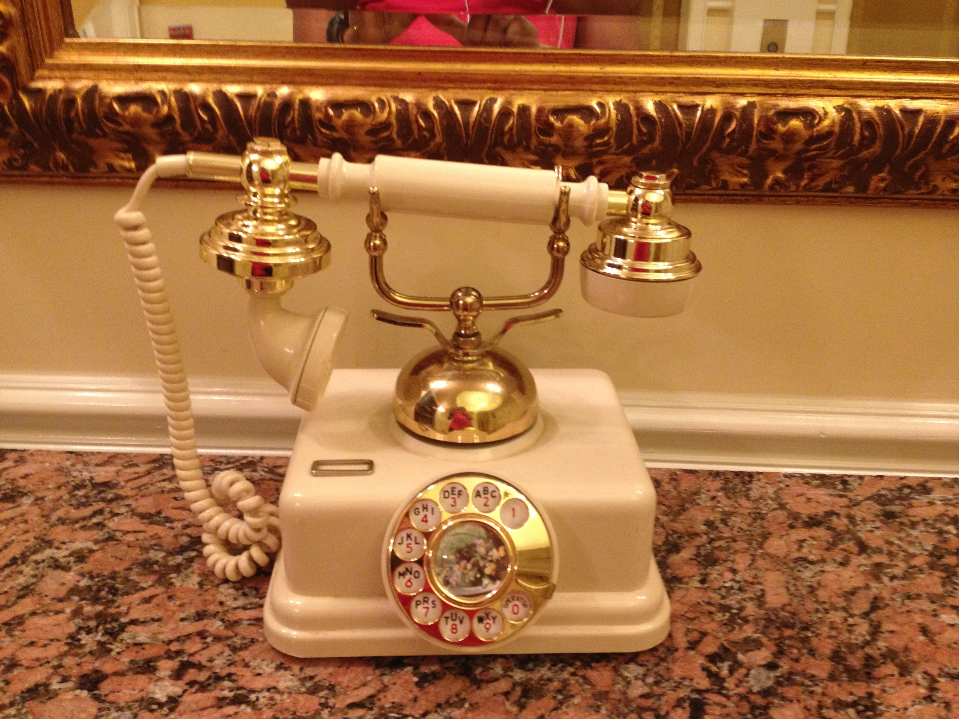 Free stock photo of old school telephone