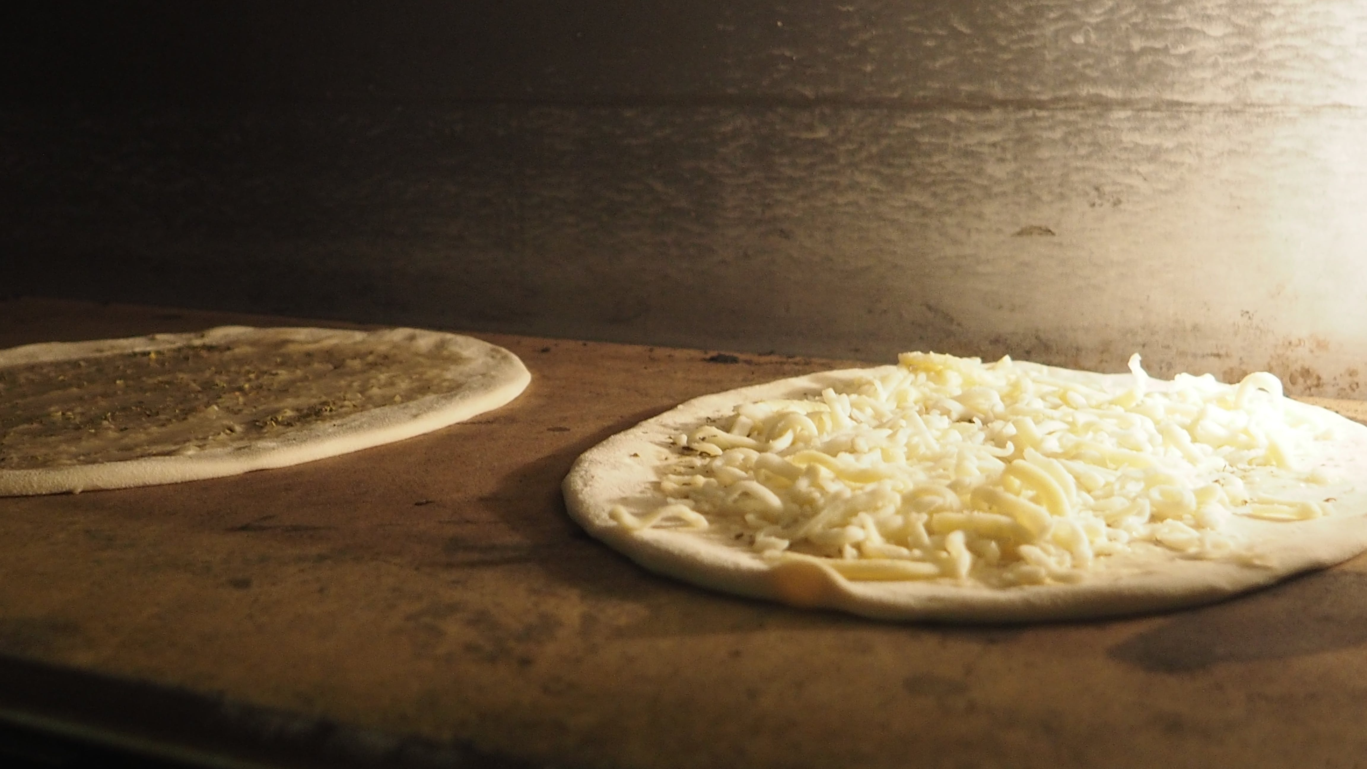 Free stock photo of cooking pizza, cooking pizzas, pizza, pizza cooking