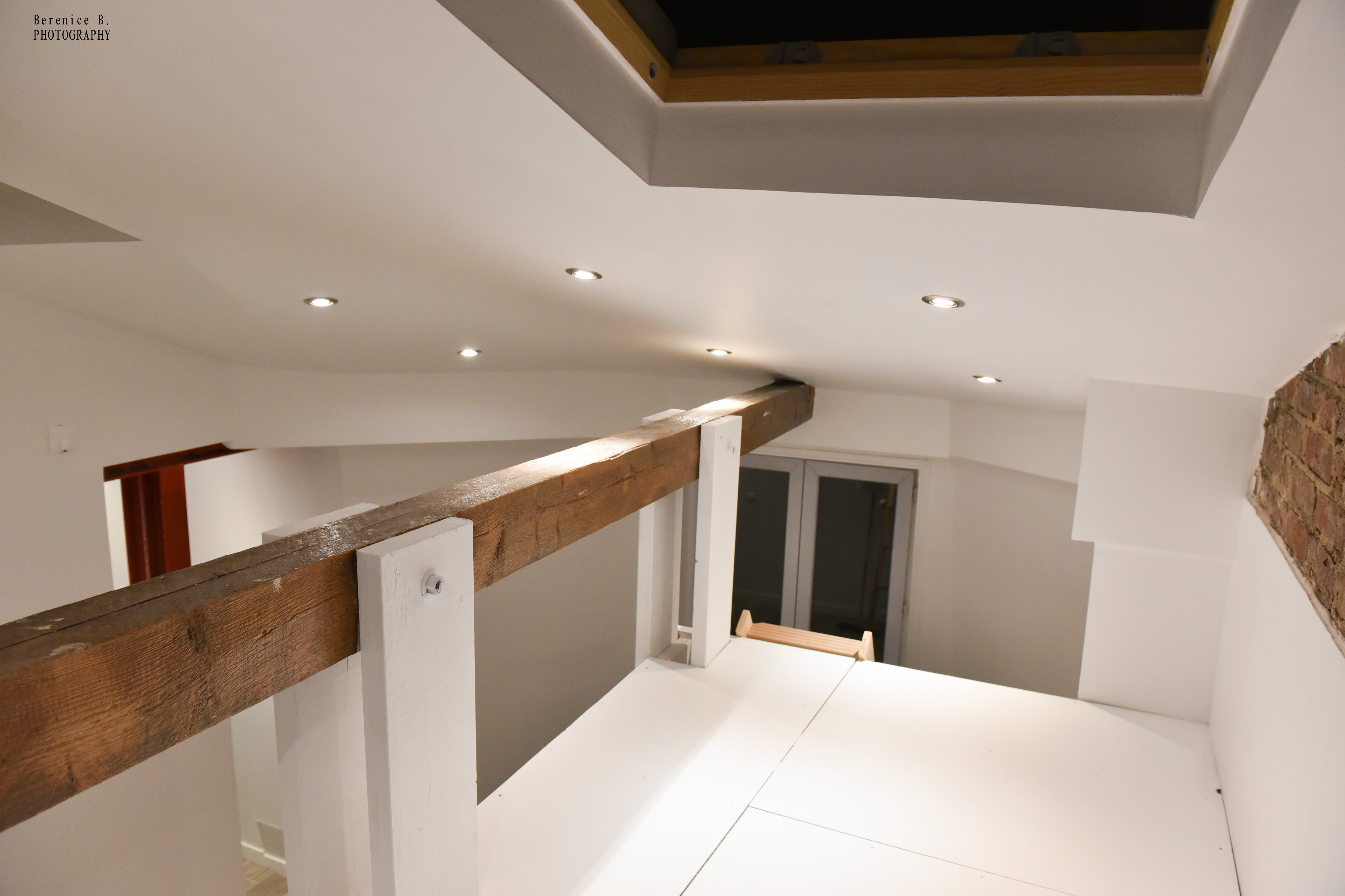 Free stock photo of chambre, fenetre de toit, lumiere, mezzanine