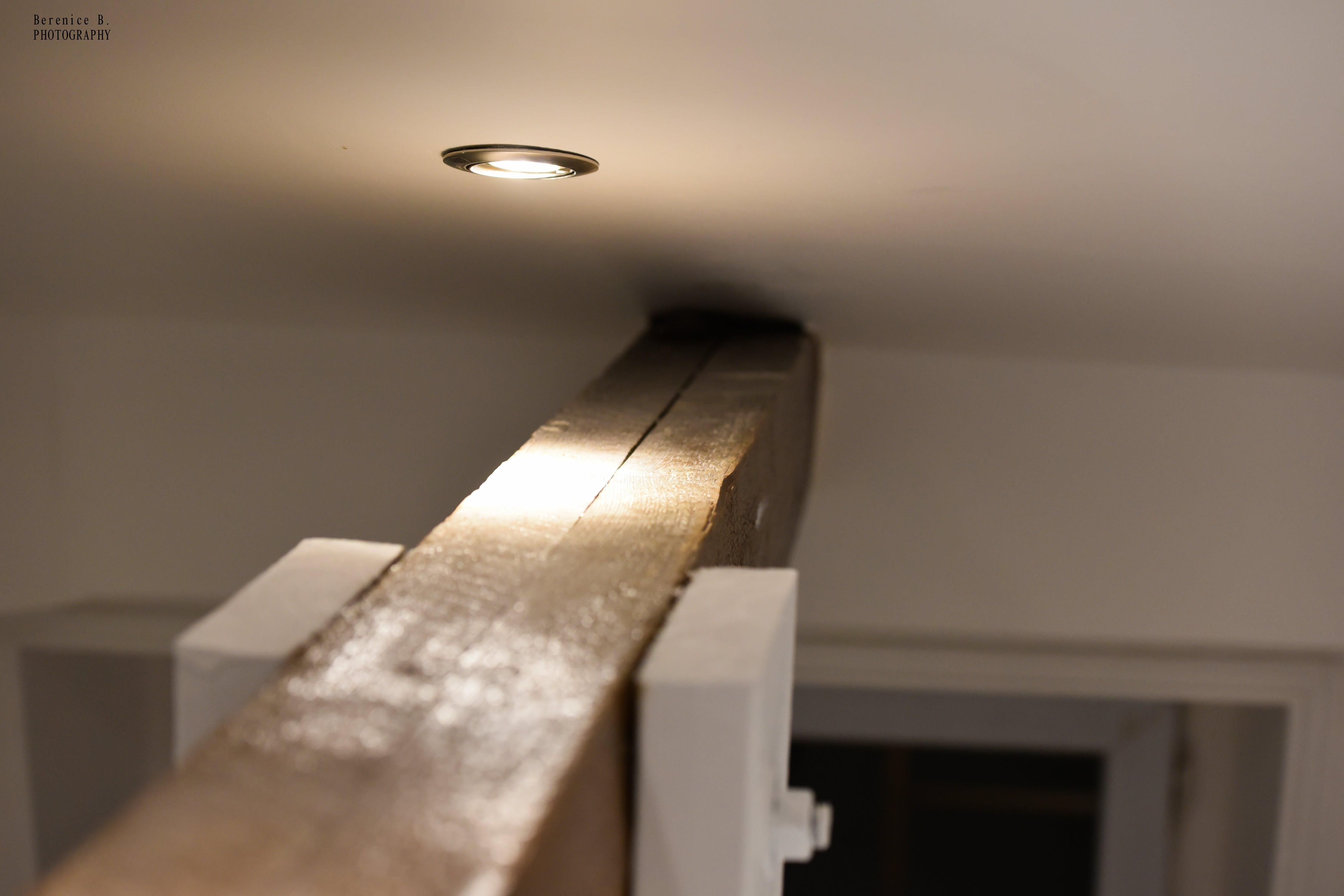 Free stock photo of lumiere, plafond, poutre, spot