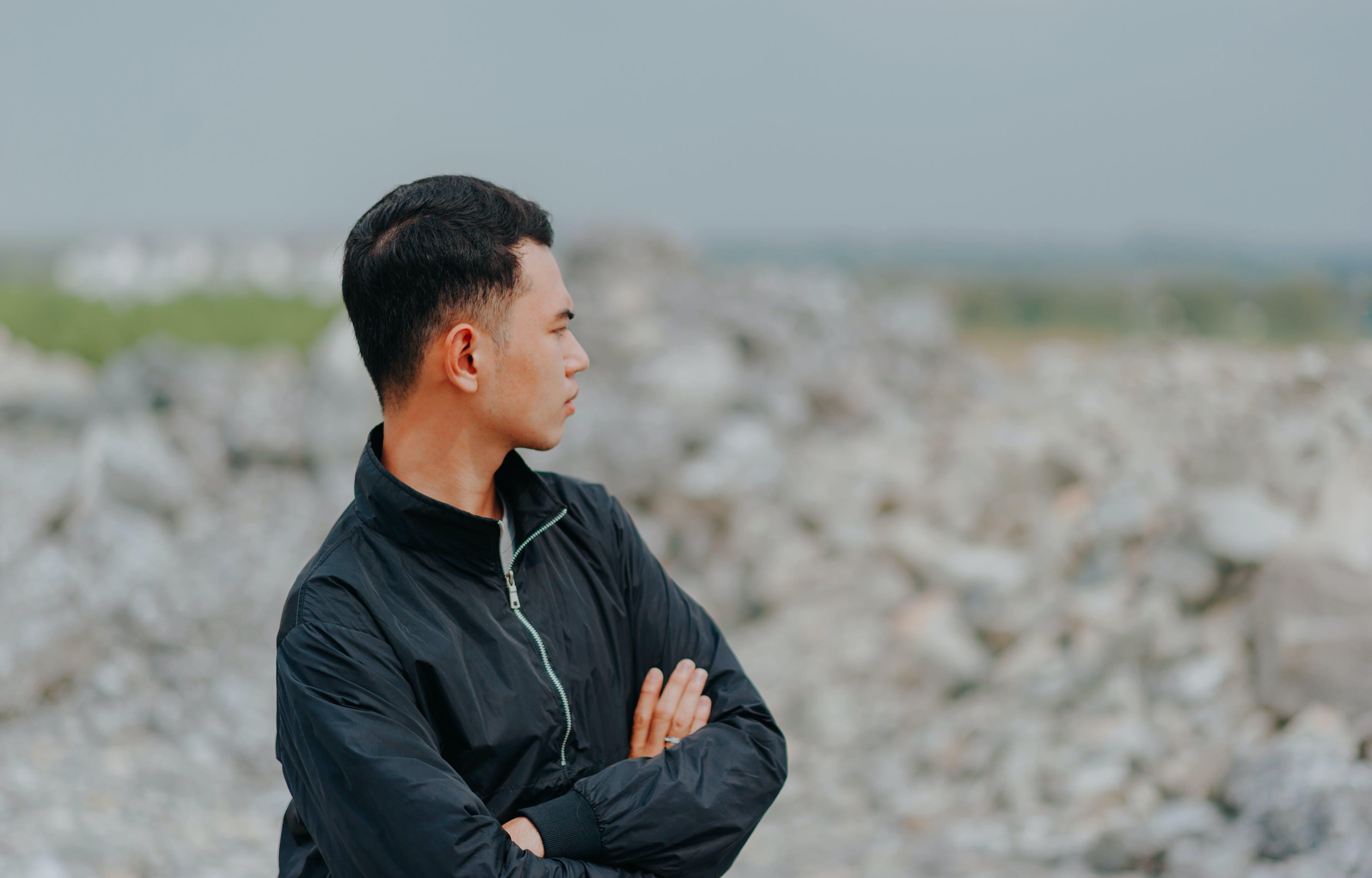 Man in Black Full-zip Jacket