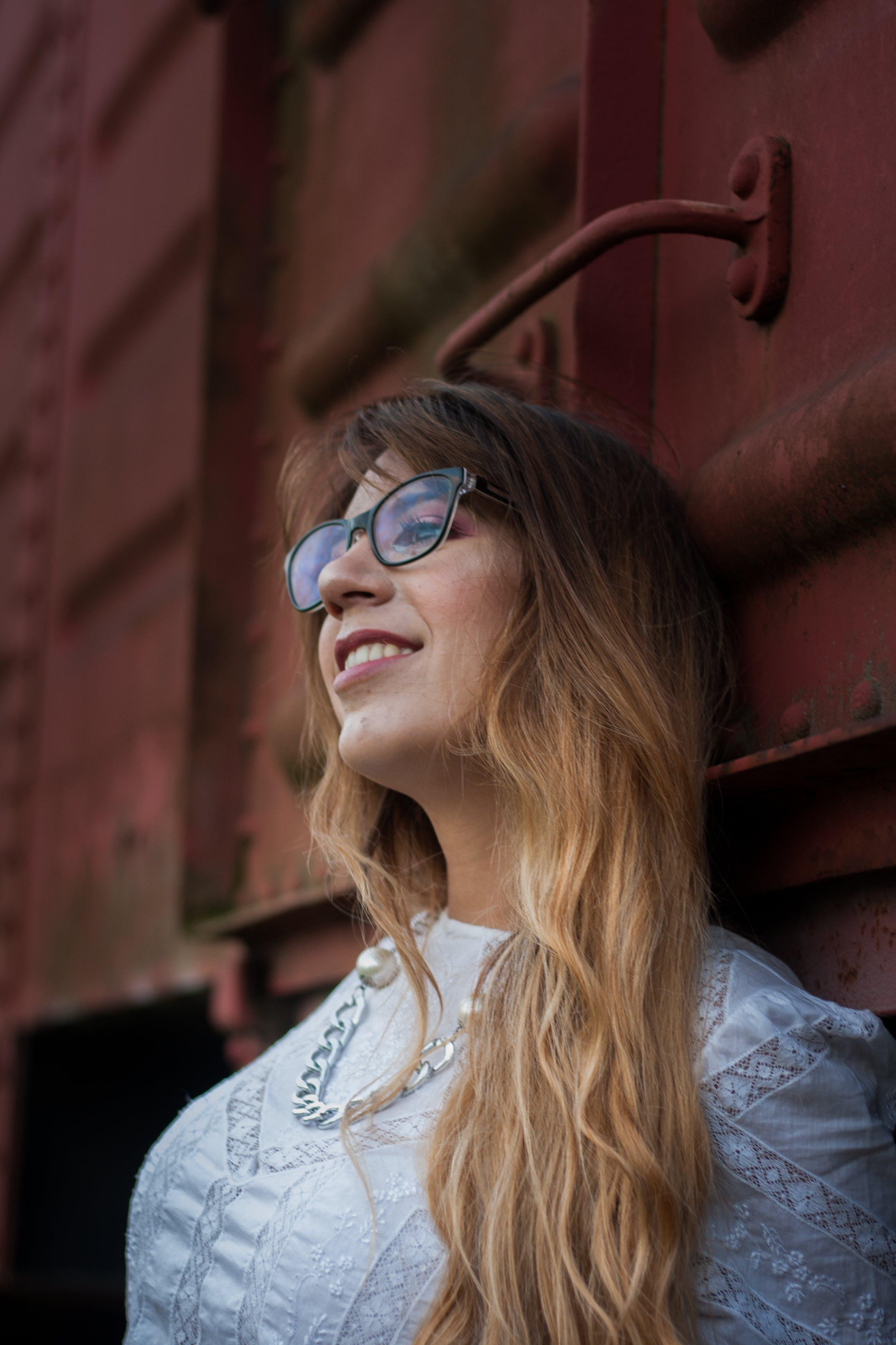 afslappet, attraktiv, briller