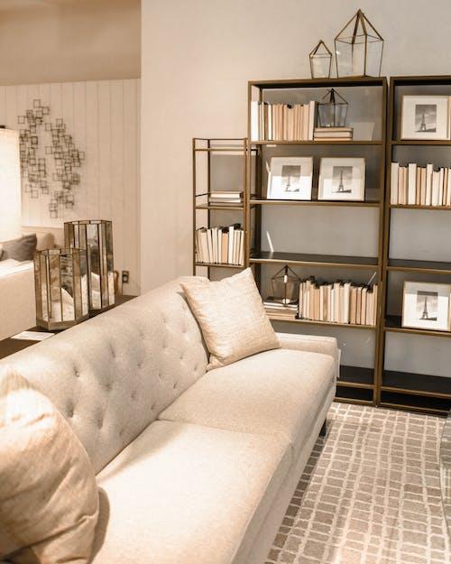 Ilmainen kuvapankkikuva tunnisteilla huone, huonekalut, kalusteet, kirjat