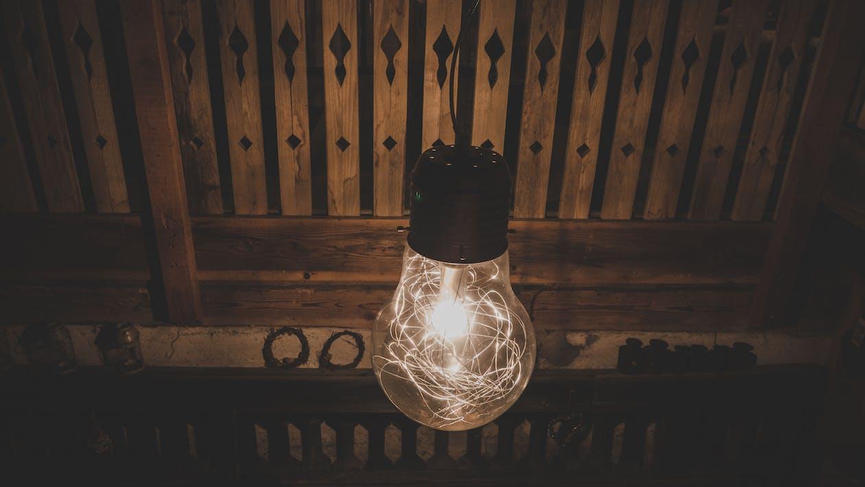 Ampoule Avec Guirlandes Lumineuses