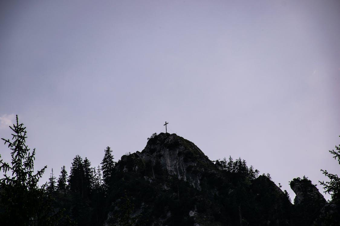 十字架, 天主教, 山