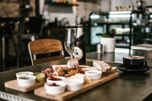 Foto profissional grátis de alimento, bebida, comida, dentro de casa